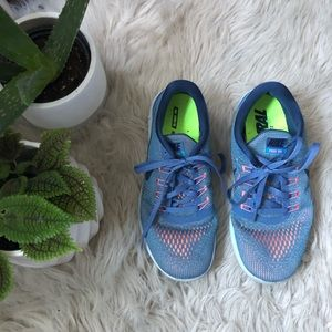 Nike Blue Free Run Sneakers